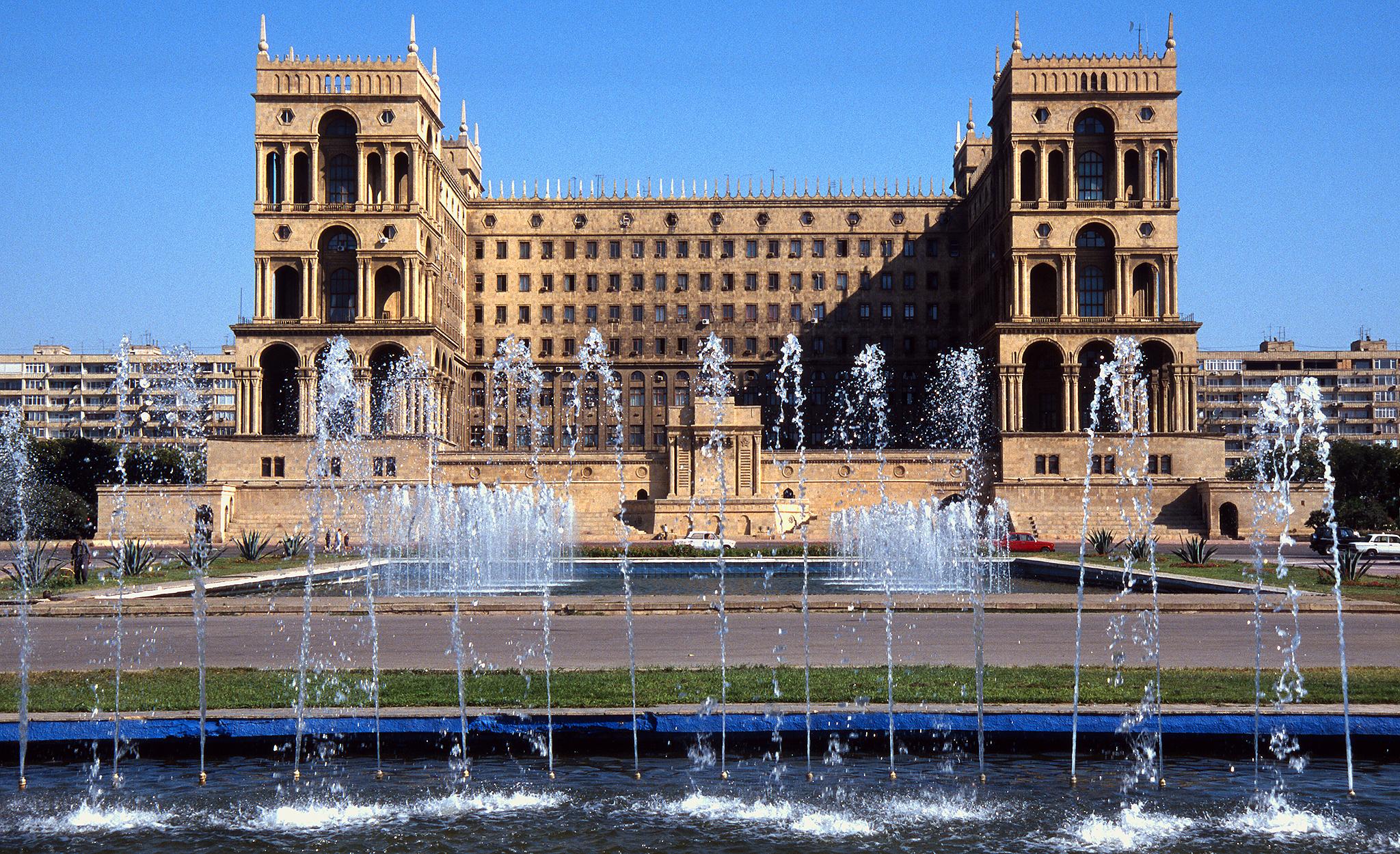 2001 / Baku