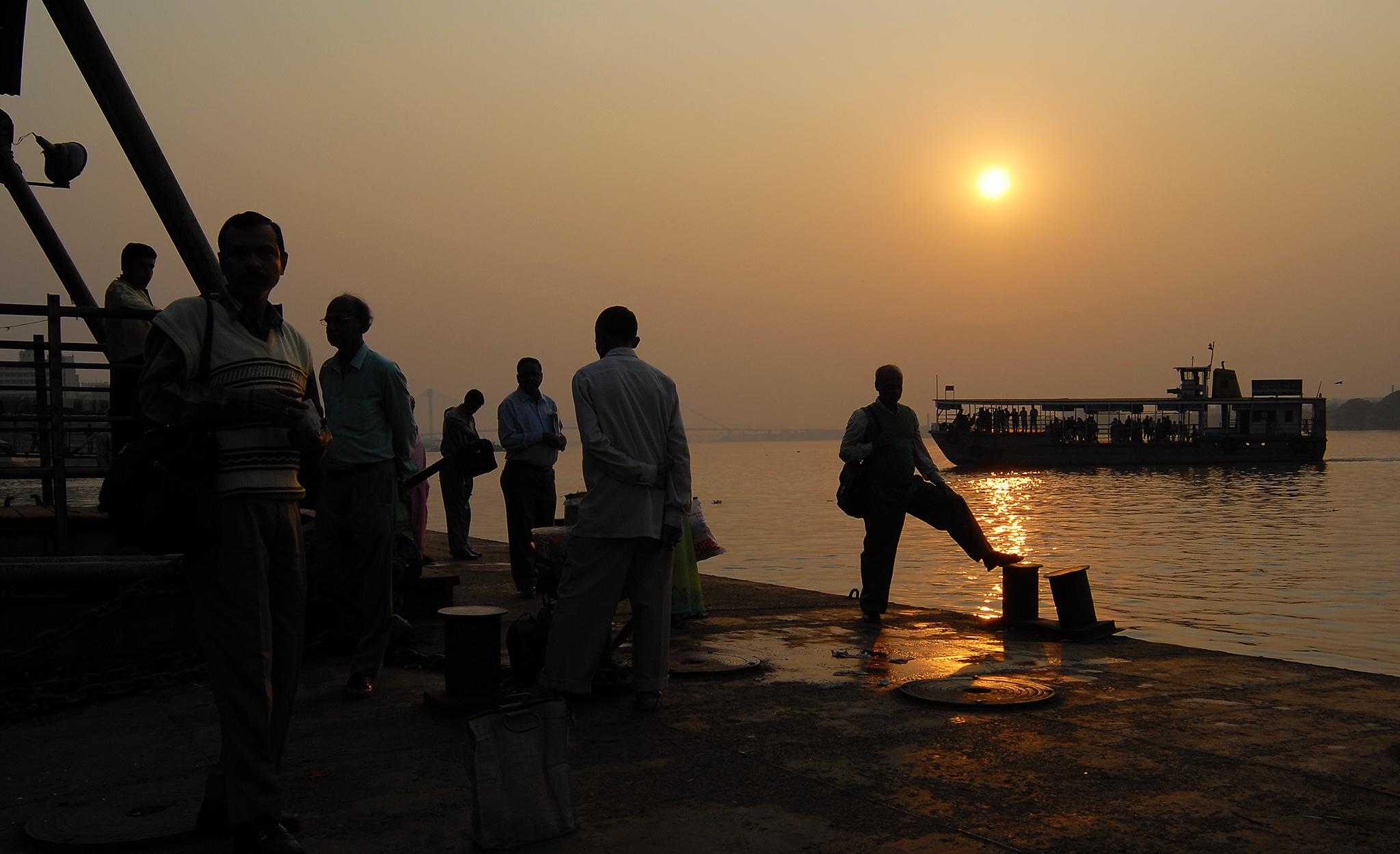 2006 / Kolkata Hugli river sunset