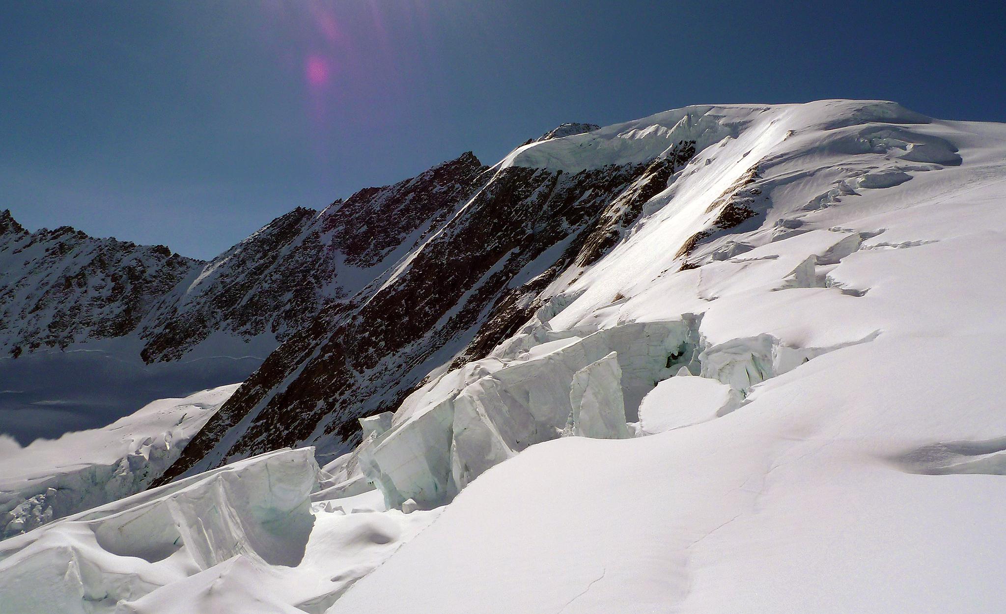 2010 / Hinter Fiescherhorn, descent to Fiischtere