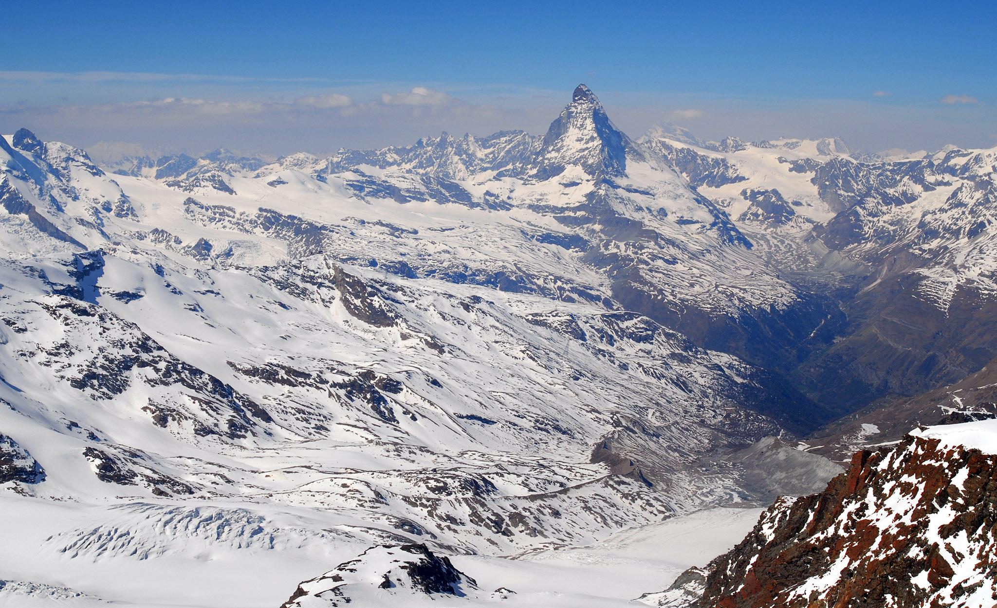 2007 / Strahlhorn, 4190m, view to Matterhorn/Zermatt
